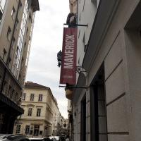 Budapest: Arriving at Maverick City Lodge Hostel, the FEAR and first Hostel Vlogs